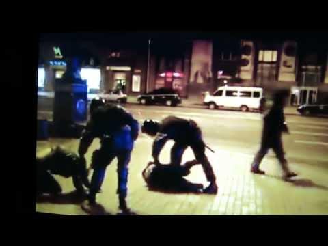 Беркут б'є ногами в голову протестувальника на Майдані