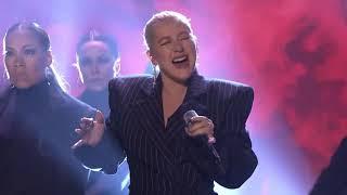 Christina Aguilera - Fall In Line (Live Tonight Show 2018)