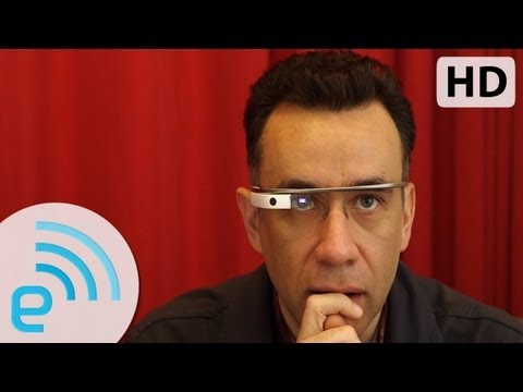 Fred Armisen tries Google Glass for the first time