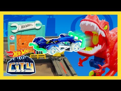Monstrous T-REX EARTHQUAKE shakes HOT WHEELS CITY! | Hot Wheels City | Hot Wheels