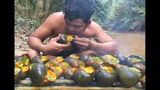 Survival Technique Find and cook snail in forest - Collect Snail Cooking For Food Eating delicious