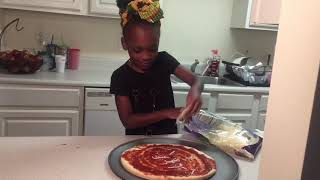 How to make a pizza...Cooking with Javannah: Ep. 1
