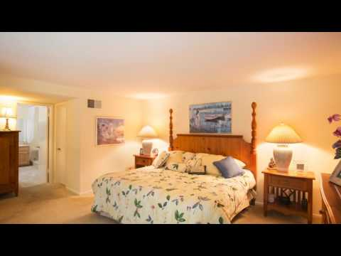 6001 Ellenview Ave, Woodland Hills, CA 91367 Listed by Teresa Todd