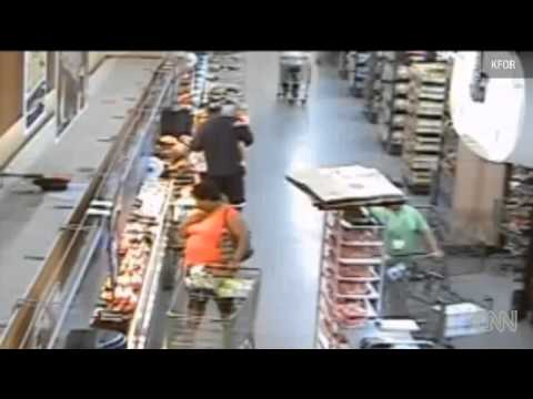 Man Took 2 Year Old Hostage In A Walmart - Smashpipe People