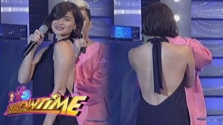 It's Showtime: Anne shows off her outfit
