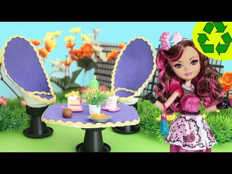 Crafts for Dolls: Garden Chairs and Table