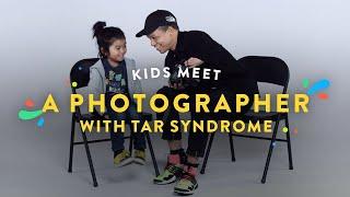 Kids Meet a Photographer with Tar Syndrome | Kids Meet | HiHo