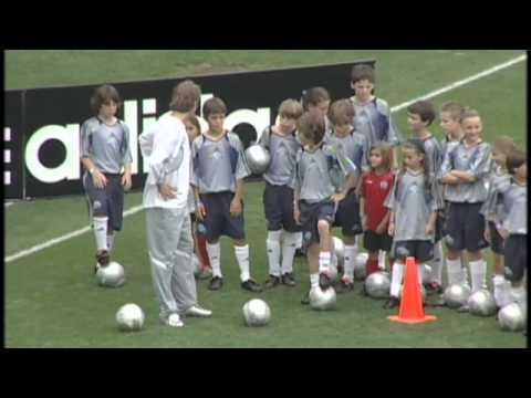 Soccer School Training, Manchester United, David Beckham - Smashpipe film
