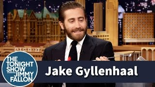Jimmy Gifts Jake Gyllenhaal an Uncouth Backscratcher