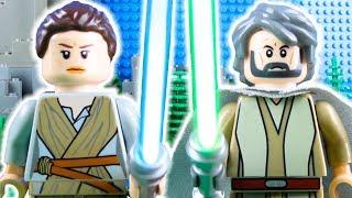 LEGO Star Wars Rey Meets Luke Skywalker