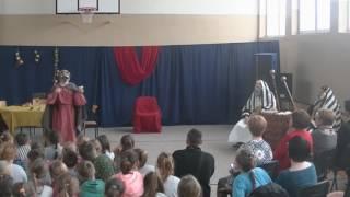 Widowisko pasyjne przygotowane przez nauczycieli oraz uczniów Zespołu Szkół w Pozezdrzu przy współp