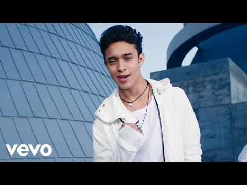 CNCO - Para Enamorarte (Official Video)