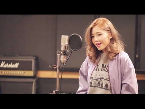 Taylor Swift - 22 (MACO Japanese Cover)