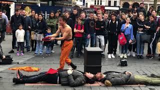 Japanese Street Performer in London