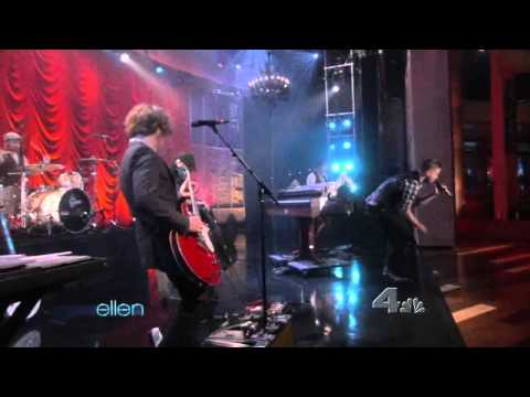 OneRepublic - All The Right Moves (LIVE at The Ellen Degeneres Show)