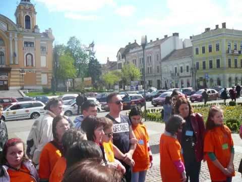 55 de Tineri cu Deficiente de Vedere Viziteaza Centrul Istoric al Clujului