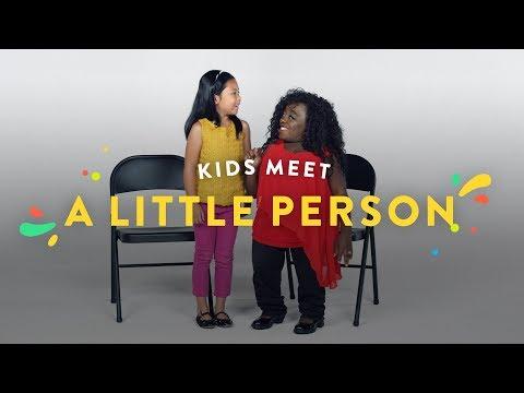Kids Meet A Little Person | Kids Meet | HiHo Kids