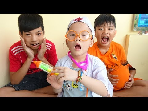 Funny Children pretend play with Doctor Toys for kids and Learn colors - Video for kids