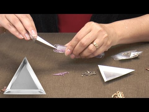 The Beadsmith Aluminum Scoop and Sort Trays Product Spotlight