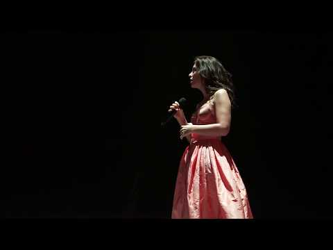 Lorde - Yellow Flicker Beat (Melodrama World Tour, Vancouver)
