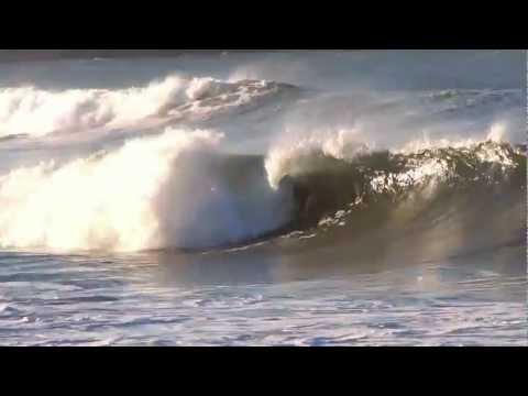 Surf en Gijón en La Izquierda de La Roca Noviembre 2011.mp4