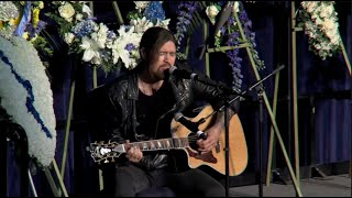 Hear Billy Ray Cyrus sing tribute at memorial of fallen Davis police officer Natalie Corona