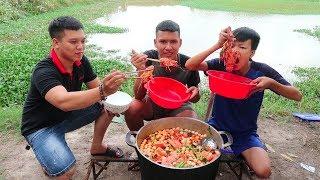 Hữu Bộ | Làm Nồi Lẩu Tôm Hùm Khổng Lồ | Giant Lobster Hot Pot
