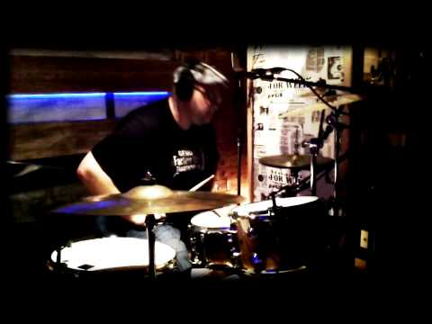 Baixar Mauricio Hoffmann - Anjos de plantão (drum cam)