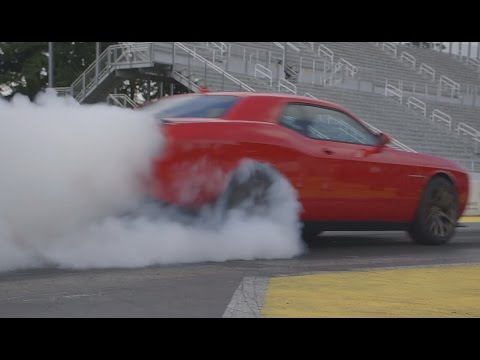 2015 Dodge Challenger Srt Hellcat Runs The Quarter Mile In 11 2