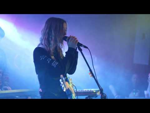 The Japanese House - Clean (Live at the Riot Room)