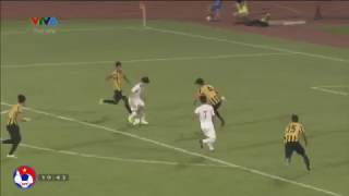 Công Phượng vượt qua 5 cầu thủ U23 Malaysia ghi bàn nâng  tỷ số lên 3-0
