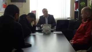 Primarul de Mereni a fost prins între ciocan și nicovală