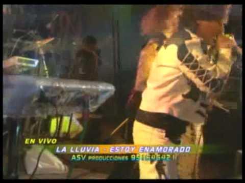 Carlos Sebastian y la Lluvia Internacional - Me Enamore - en vivo