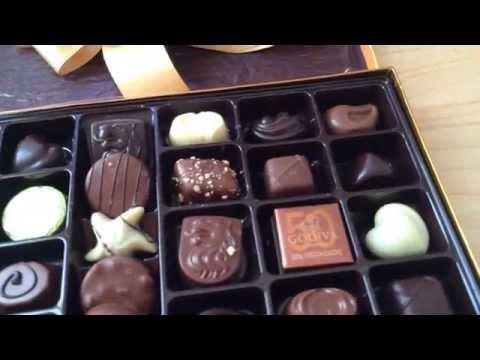 Godiva Gold Box 36 Belgium Chocolates Unboxing 3-19-15