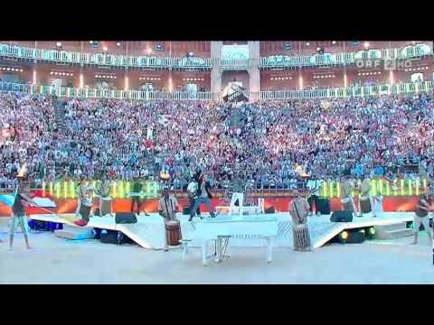 K'naan ft. David Bisbal - Waving Flag [Live + HD + DOWNLOAD]