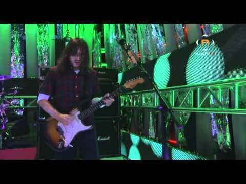 Baixar Red Hot Chili Peppers - Dani California - Live at Fuse Studios