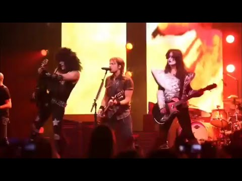 KISS Prank- Taylor Swift (Dressed like Ace Frehley) and her band prank Keith Urban