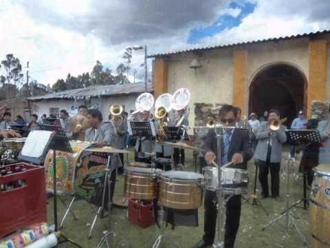 Banda Show Espectáculo  SONORA MUSICAL PERÚ (Mi linda historia -huayno)
