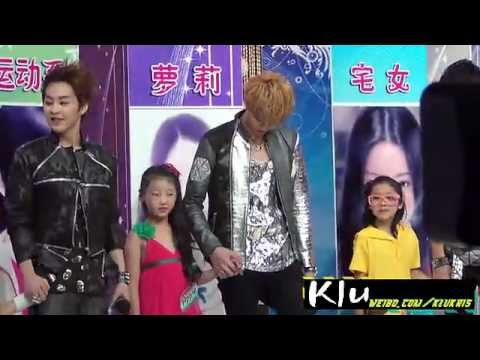 [HD Fancam] EXO-M - Kris' Lovely Interactions with Kids! 120627