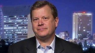 'Clinton Cash' author: Clinton 'investors' watching election