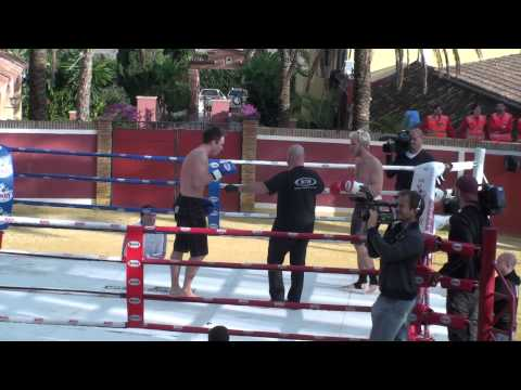 RaSZi vs ElkY Kickboxing Match (HD)