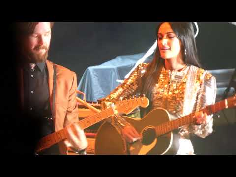 Kacey Musgraves - Crazy (Gnarl's Barkley Cover) (Los Angeles Forum Night 1)