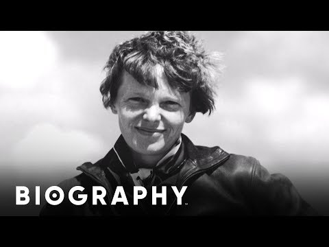 Amelia Earhart - First Woman To Fly Alone | Mini Bio | Biography