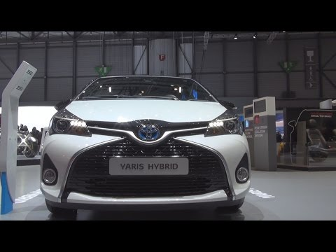 Toyota Yaris S-Tourer 1.5 VVT-i Hybrid Style (2016) Exterior and Interior in 3