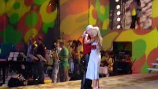 Pod papugami - śpiewa Krzysztof KIS.