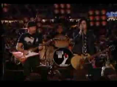 U2 & Green Day - The Saints Are Coming [Live @ Louisiana Superdome, New Orleans 2006]