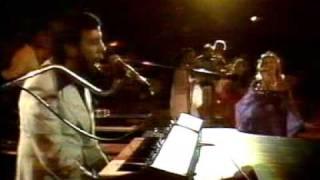 """Sergio Mendes & Brasil 88 - """"Mas Que Nada"""" And """"Você Abusou"""" (Live From Ontario, Canada)"""