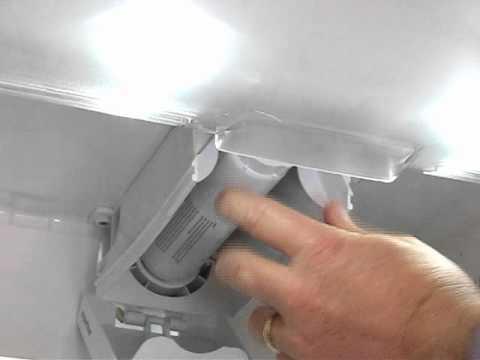 remplacement du filtre eau l 39 int rieur du. Black Bedroom Furniture Sets. Home Design Ideas