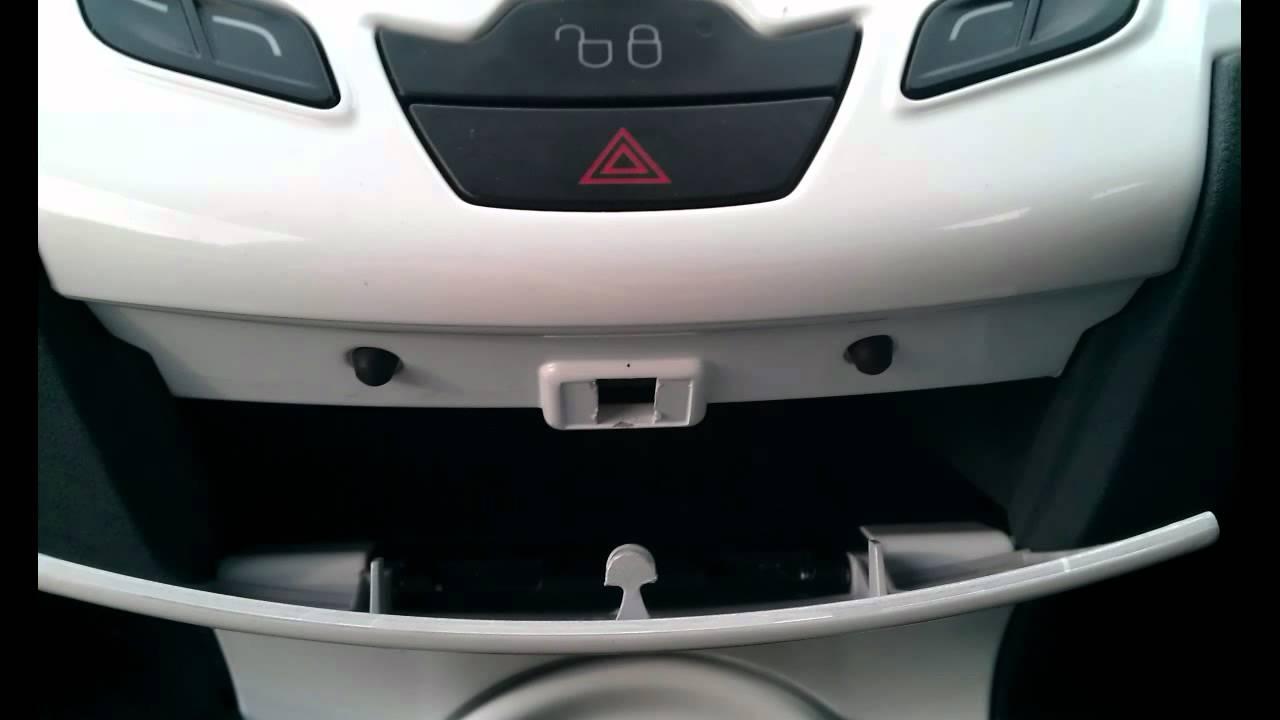 Ford Fiesta Mk7 2008 Present Interior Plastics Removal