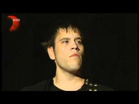 billy talent - devil on my shoulder (live  @ Area4 2010)